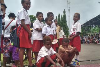 Pemkab Wondama diminta serius perhatian pendidikan
