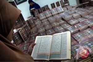 Kemenakertrans distribusikan Al Quran untuk transmigran