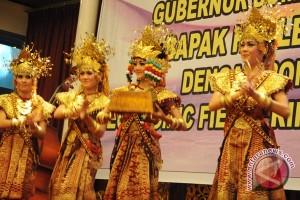 Mahasiswa Korea Selatan pelajari Tari Bedana Lampung