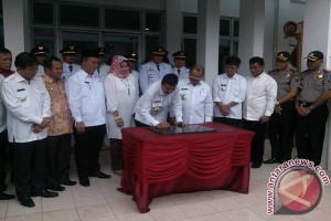 Gubsu Resmikan Kantor Wali Kota Gunungsitoli