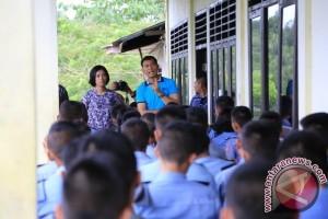 Bupati Simalungun Motivasi Pelajar SMK Pelayaran Nias