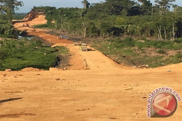 Warga Harapkan Lanjutan Pembangunan Jalan Menuju Dermaga