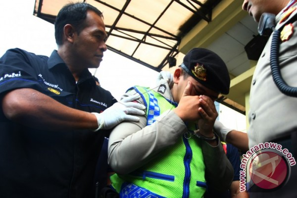 Brimob Poldasu Tangkap Dua Polisi Gadungan