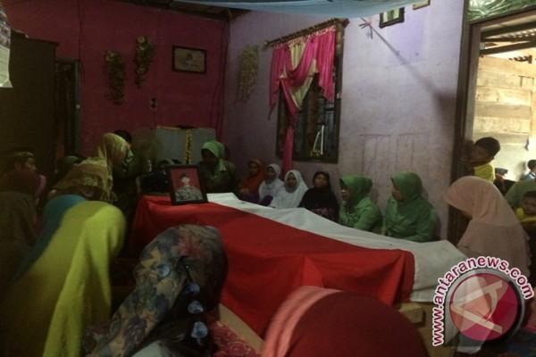 Keluarga Alm. Pratu Marwan Ingin Adiknya Jadi TNI