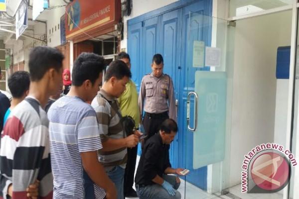 Rampok Gondol Mesin ATM