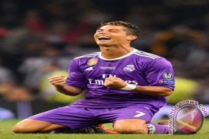 Ronaldo kembali menjadi pemain terbaik dunia