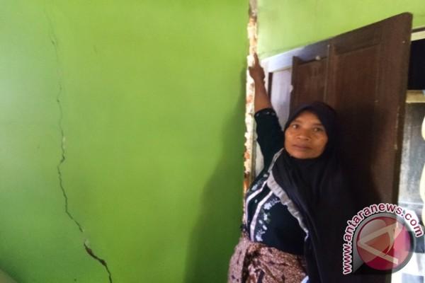 Gempa Rusak 10 Rumah Di Sitaratoit