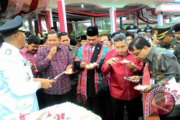 Bupati Samosir Hadiri Perayaan HUT Taput