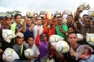 Edy Rahmayadi: Bangkitkan Gairah Sepak Bola Sejak Usia Dini