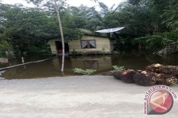 Di Asahan 3.871 Rumah Terendam Banjir