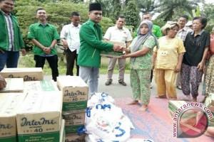PPP Bantu Korban Banjir di Aekkanopan
