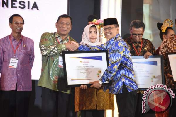 Ombudsman Beri Penghargaan Kepada Pemkab Deliserdang