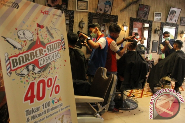 "Telkomsel Hadirkan Program ""Barbershop Carnival"""