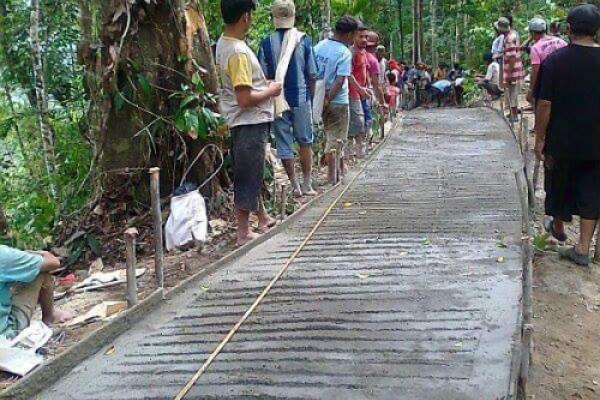 Ratusan meter jalan baru terbuka