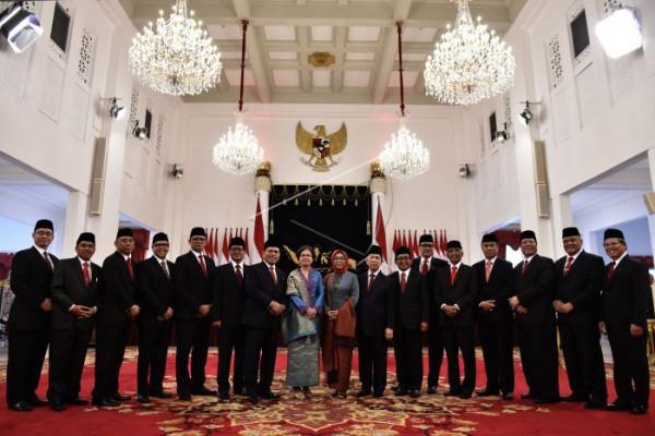 Presiden lantik 17 duta besar