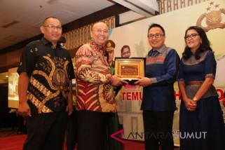 Pemkot Medan beri penghargaan Kapolres Pelabuhan Belawan