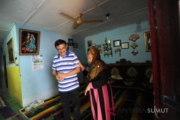 Djarot Saiful tidur di rumah warga