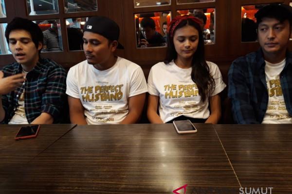 Pemain Film Perfect Husband Disambut Antusias Warga Medan