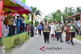 Bupati Tapteng lepas peserta Pawai Ta'aruf