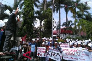 Aksi massa makzulkan Walikota Pematangsiantar