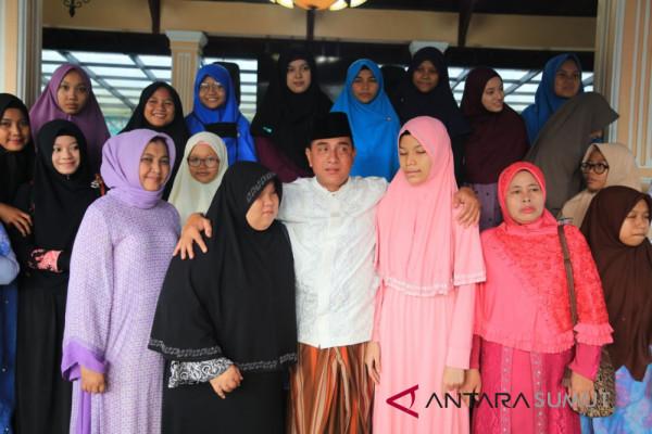 Usai TC, Qari-Qariah Sumut Silaturahmi di Kediaman Ayah Edy