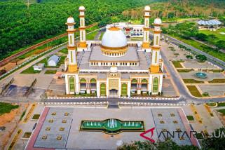 Perbanyak Amal dan Ibadah di Masjid Agung Ahmad Bakrie Kisaran