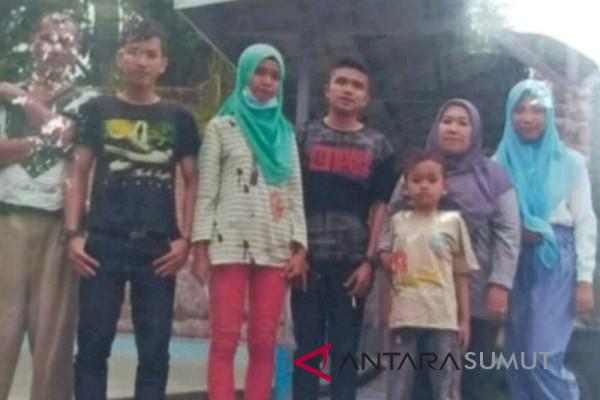 Satu keluarga korban tenggelamnya kapal Danau Toba