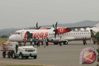 Tingginya harga tiket picu berkurangnya penumpang pesawat