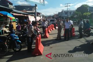 Pemkot Gunungsitoli tertibkan PKL Jalan sudirman