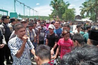 Ribuan masyarakat haltim tuntut PT TN