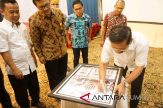 Pos Medan serahkan prangko siswa mengenal nusantara