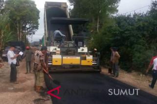 Pemkab Taput hotmix 36,11 km jalan di 2018