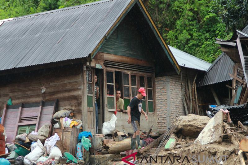 Pasca Banjir Bandang Mandailing Natal