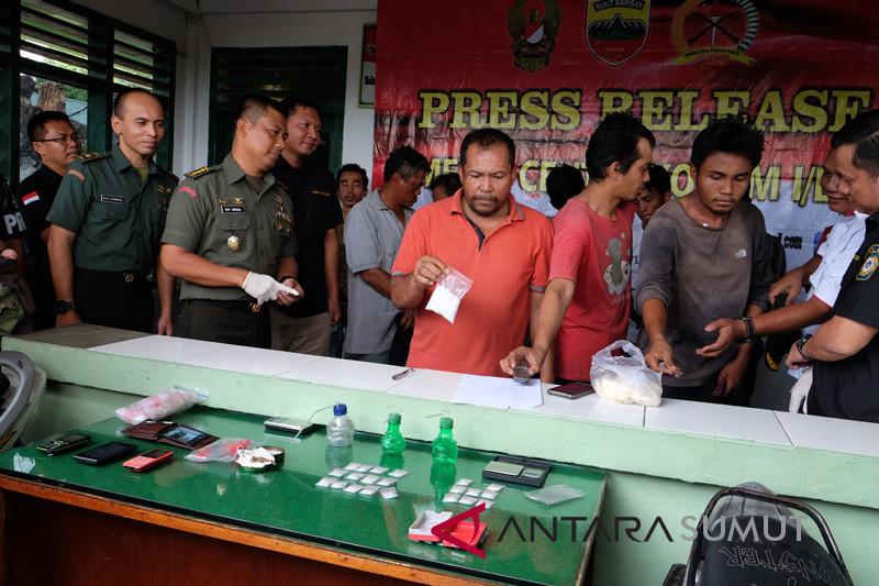 TNI Tangkap Tersangka Pesta Narkoba
