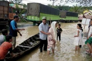 Banjir di Labura