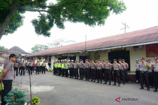 Polres Padangsidimpuan turunkan personil bantu korban banjir  Madina