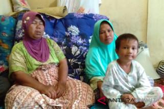 Lemari dan kulkas selamatkan nyawa ibu dan anaknya