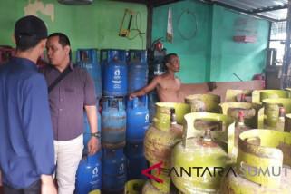 Polrestabes gerebek gudang pengoplos tabung gas