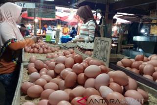 Harga telur dan ayam naik