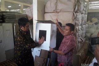 KPU Medan sewa gudang untuk penyimpanan logistik